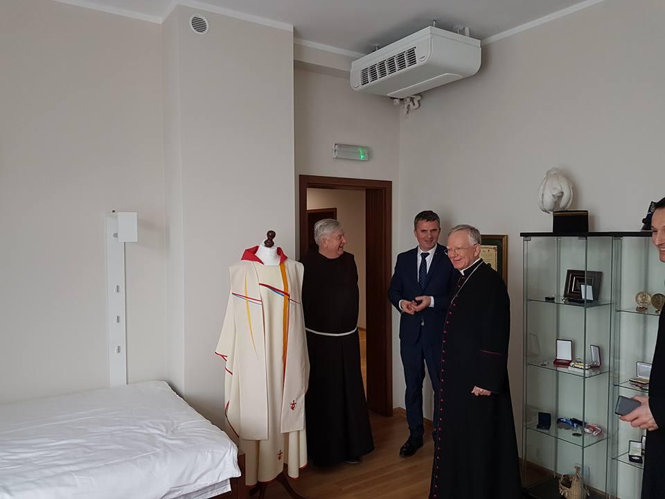abp. marek jedraszewski metropolita krakowski na campus misericoriae-brzegi oraz w wieliczce