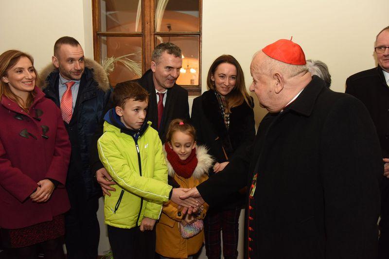Wspólne kolędowanie z Księdzem Kardynałem i Arturem Koziołem