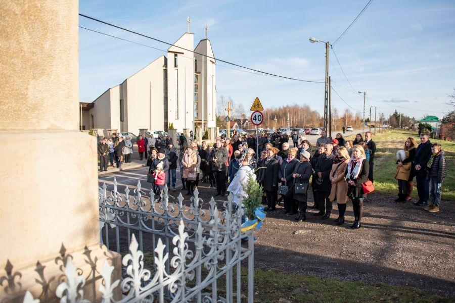 Poświęcenie odnowionej kapliczki w Golkowicach
