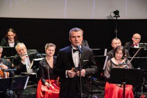 koncert noworoczny dla Małych Bohaterów Wieliczka, Artur Kozioł